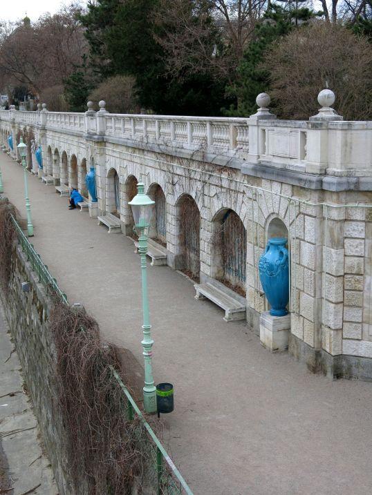 Vases along the Wienfluss in Stadtpark