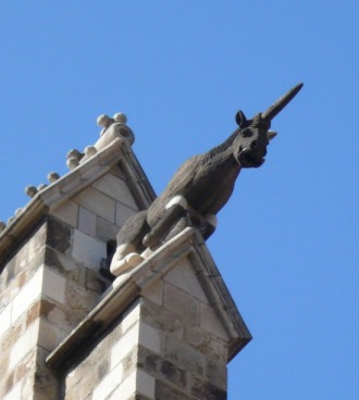 gc3a0rgola_unicorn_absis_catedral_barcelona